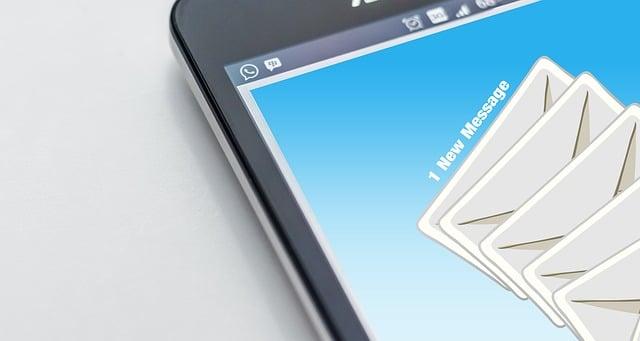 Envoyer des mails par SMS